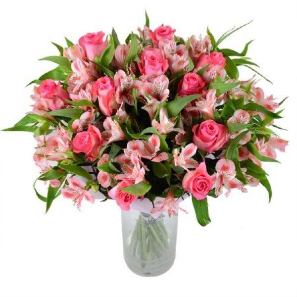 альстромерії та троянди