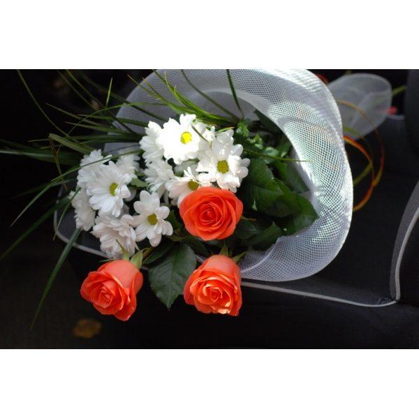 Троянди Вау і хризантеми Rafaello